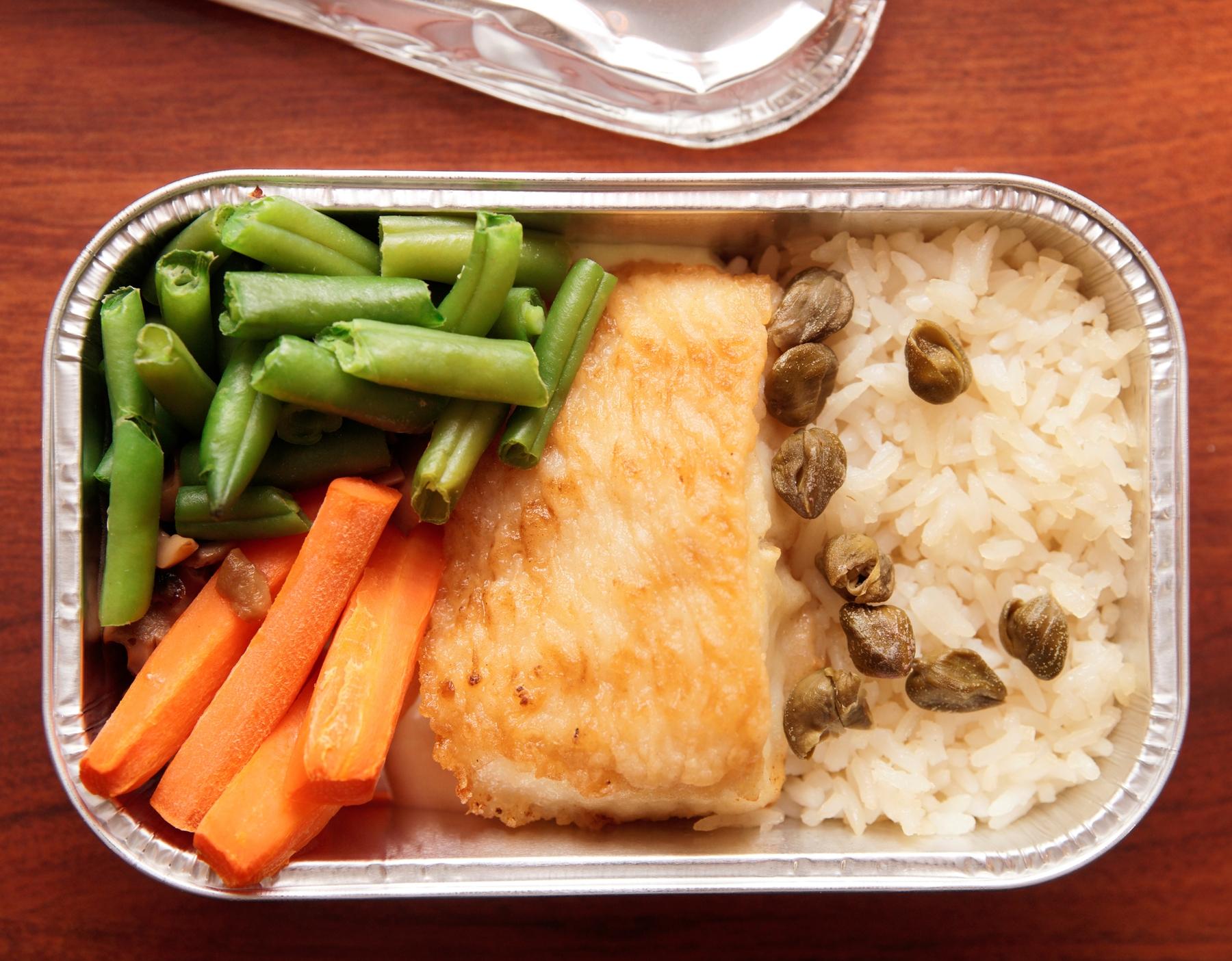 cibo o bevande in aereo