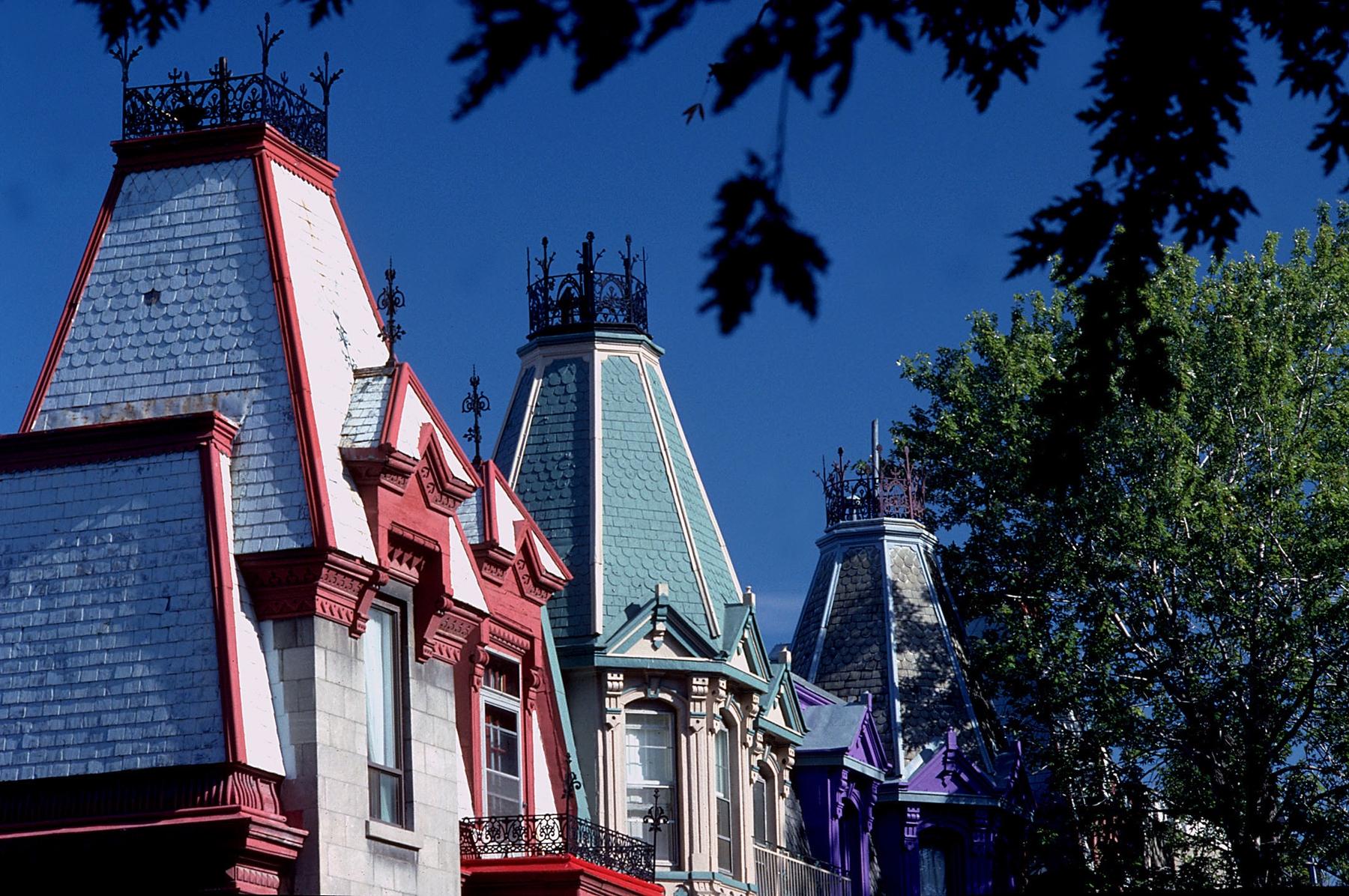 maisons rue St. Denis en Montreal