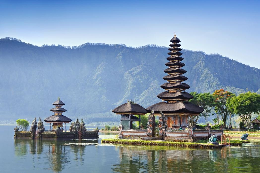 Bali, Endonezya üzerinde bir Hindu tapınağı - Ramazan Bayramı resmi tatil günleri