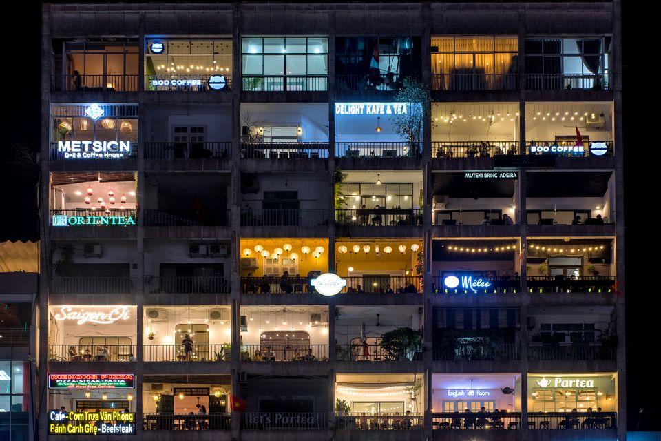 fachada típica de ciudad ho chi minh