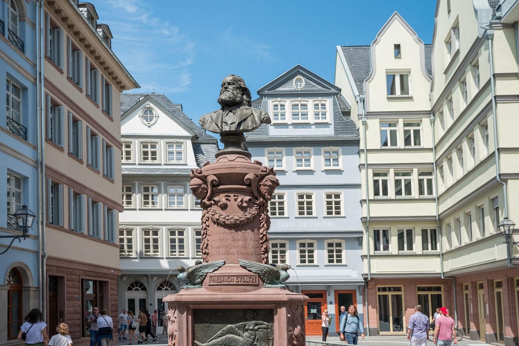Stoltze-Brunnen in der Neuen Frankfurter Altstadt