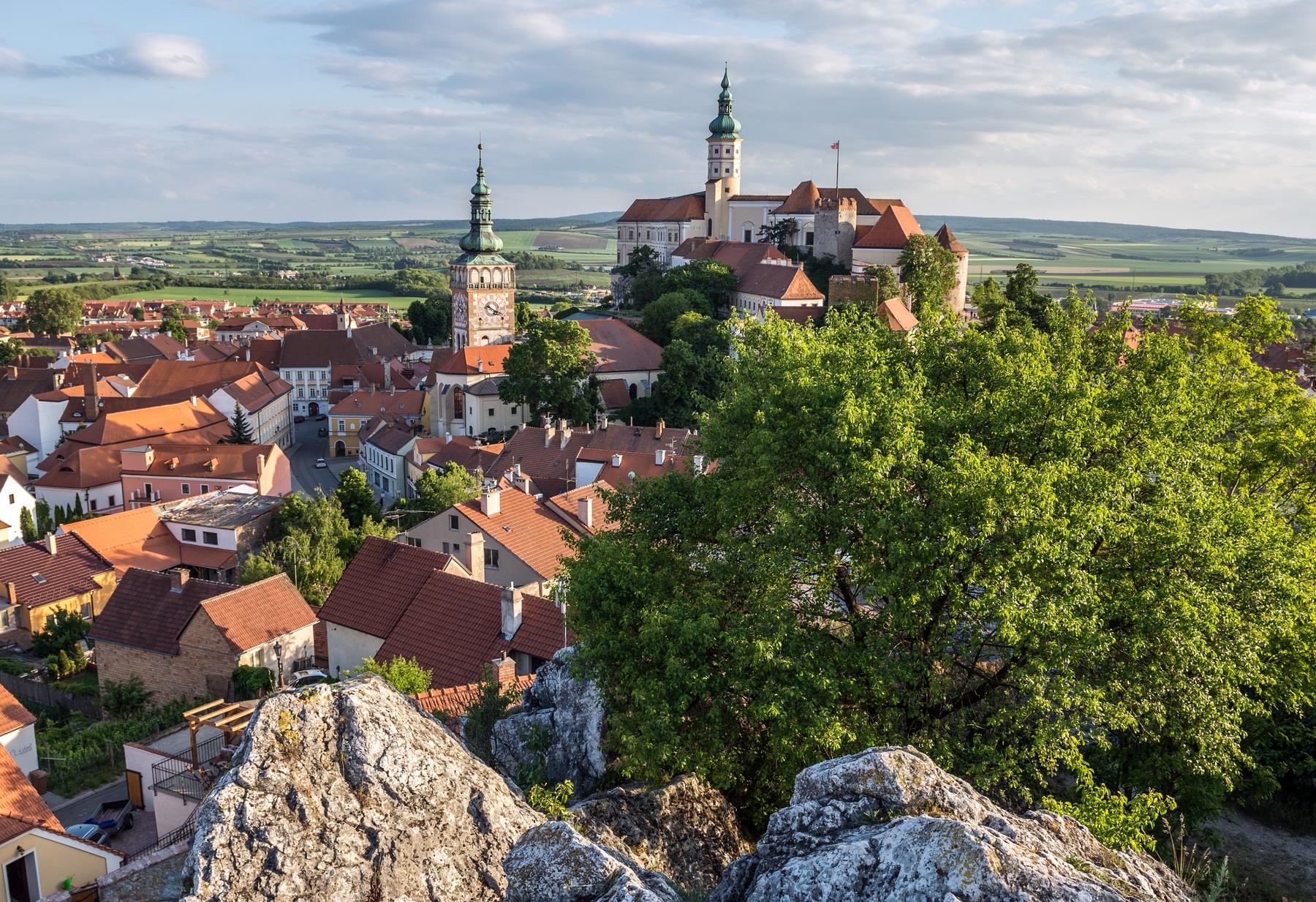 Самые неожиданные направления для путешествий: найти билеты в Лихтенштейн