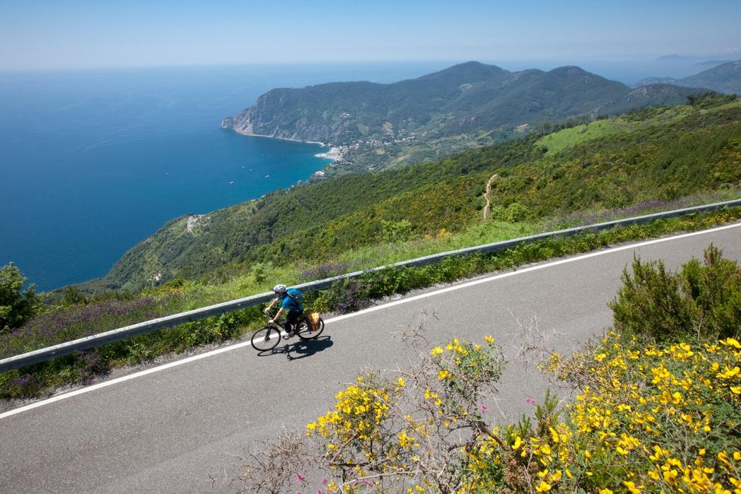 Ποδηλάτης στη Λιγουρία - ταξίδι στην Ιταλική Ριβιέρα
