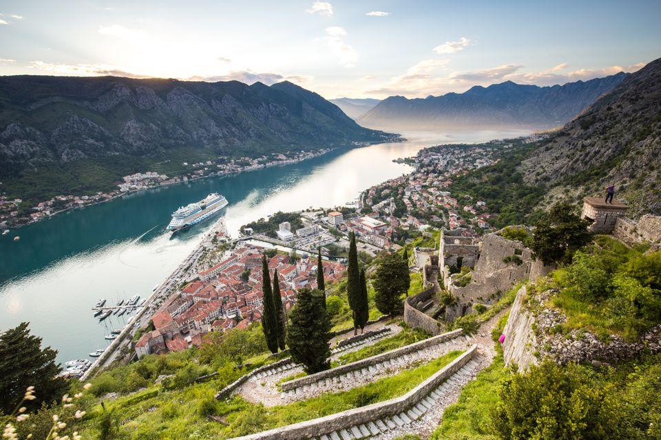 Πλοίο Κρουαζιέρας στο Κότορ, Μαυροβούνιο