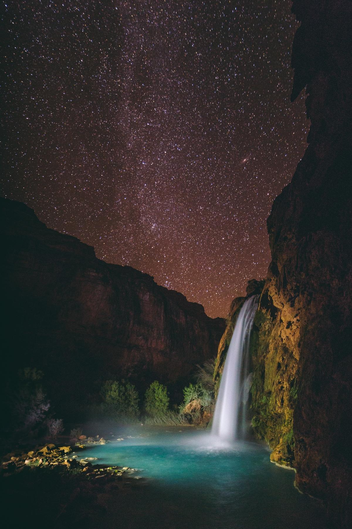 Водопад Хавасу недалеко от уединенной деревушки Супаи в Аризоне, США