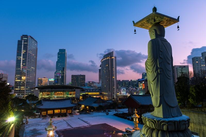 Buddha statue looking over Seoul at Bongeunsa Temple