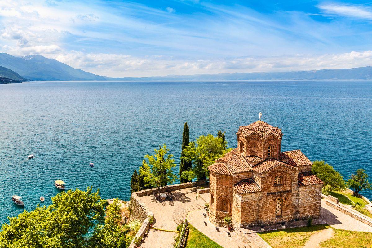 Warum ihr 2020 unbedingt nach Nordmazedonien reisen solltet: Die Ruhe am Ohridsee