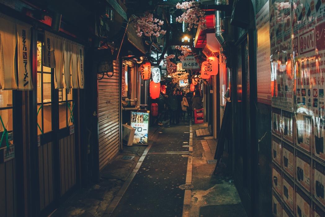Στα στενά του Shinjuku στο Τόκιο