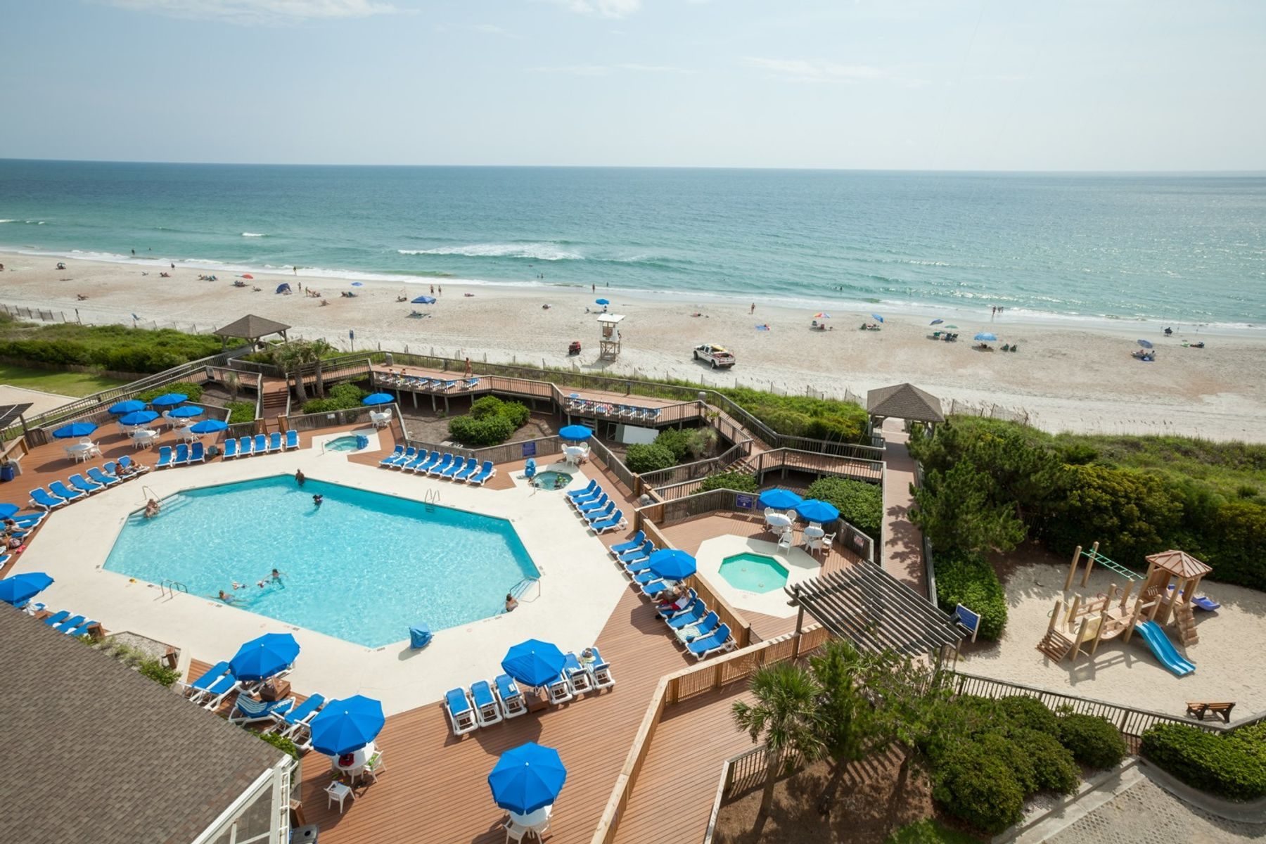 Ocean and pool view of Holiday Inn Resort Wilmington E-Wrightsville Beach.