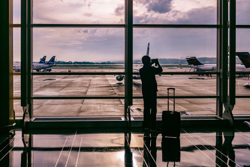 Lot z przesiadką – co z bagażem?