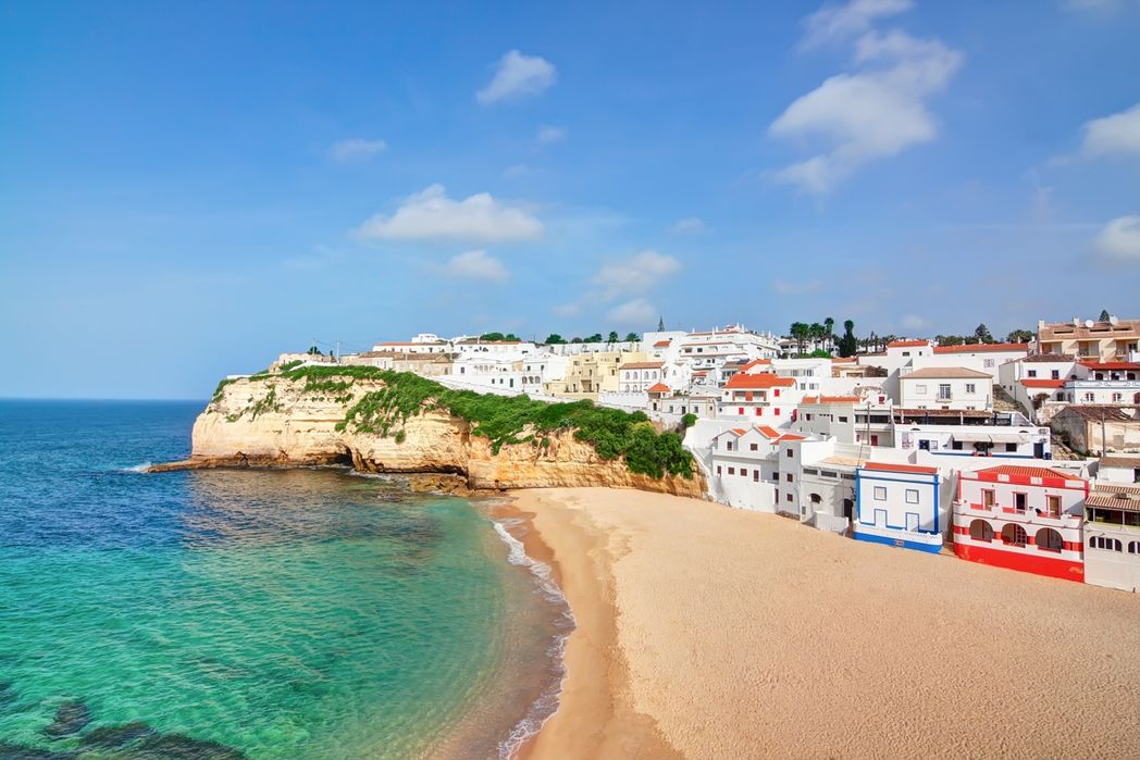 Aurinkoinen Algaver Portugalissa
