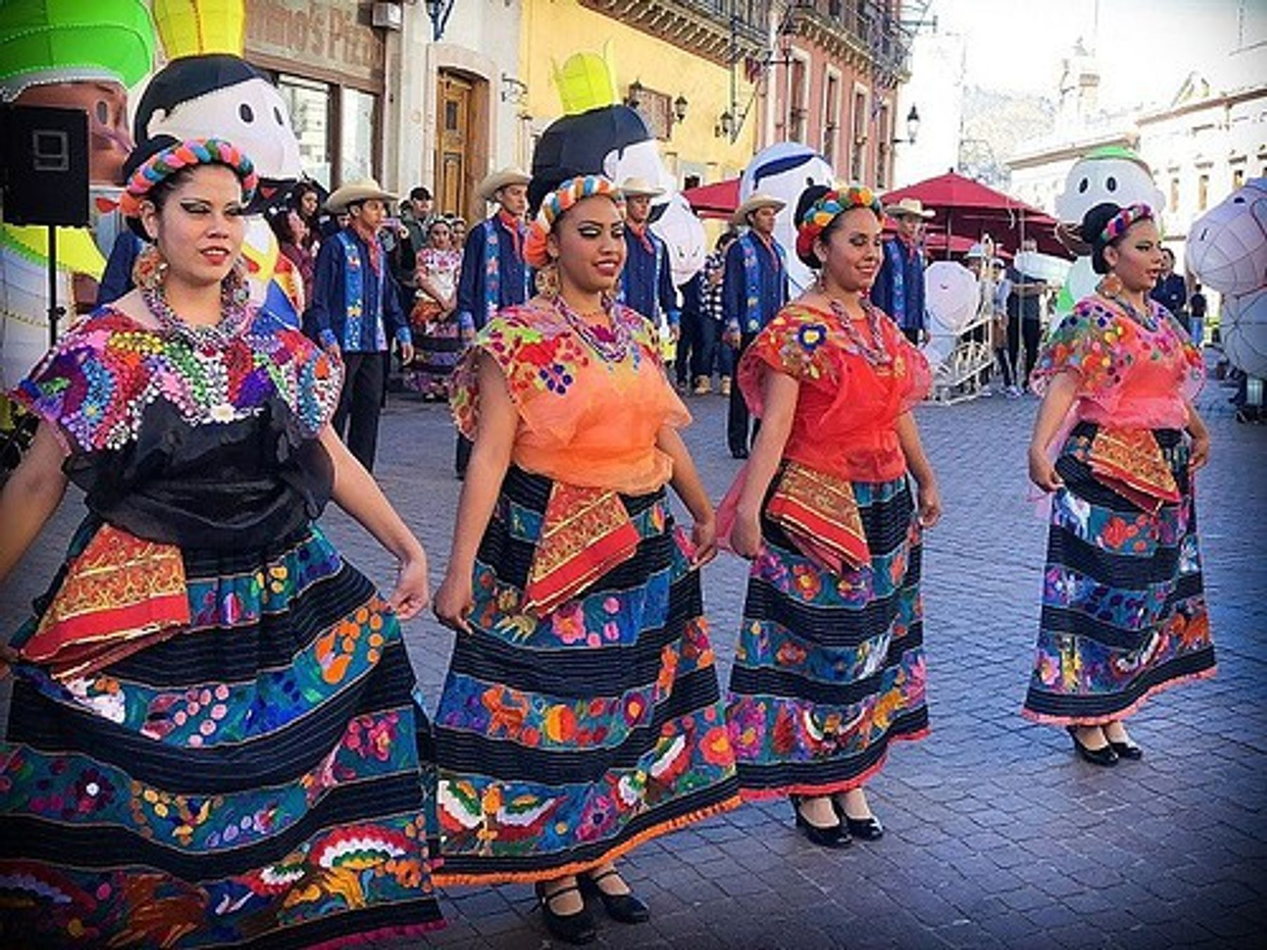 Holiday celebrations and dancing in Guanajuato, Mexico (December 2018)