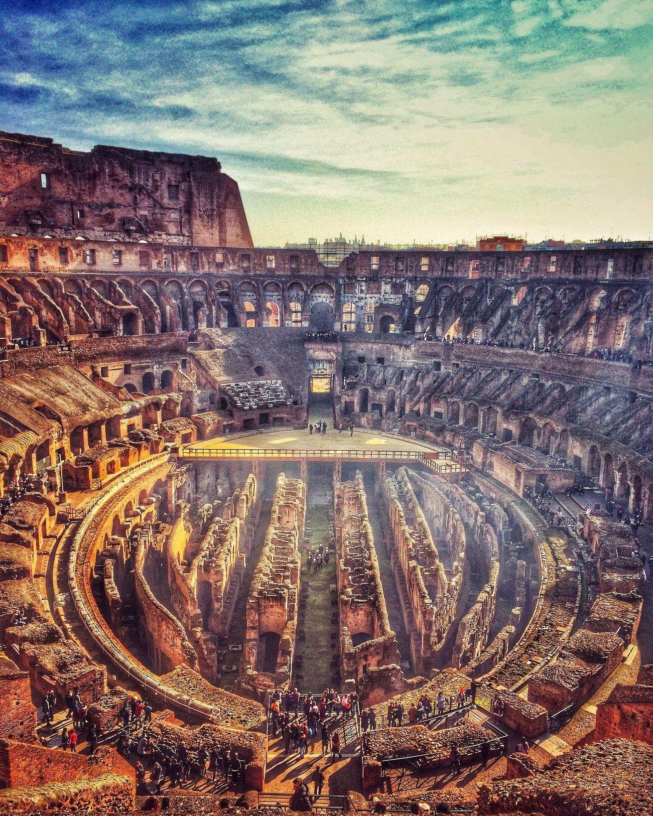 Το Κολοσσαίο από ψηλά - η Ρώμη ανήκει στους τοπ 20 φθινοπωρινούς προορισμούς