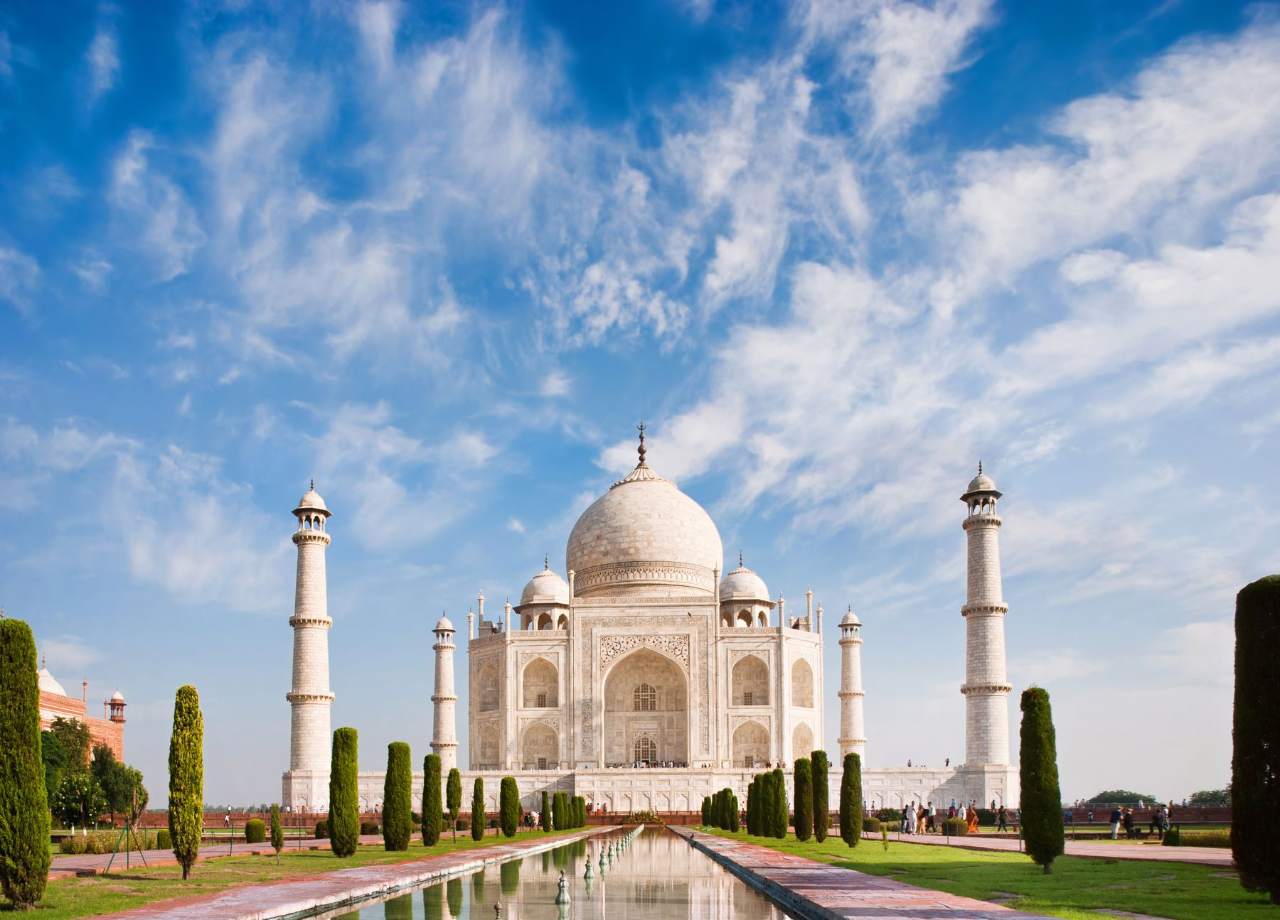 O impressionante Taj Mahal, na Índia. Uma das 7 Maravilhas do Mundo Moderno mais impressionantes.