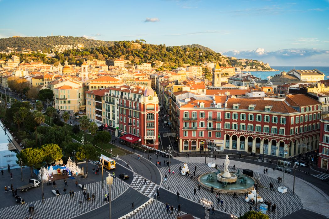 Η Πλατεία Μασενά της Νίκαιας - Γαλλική Ριβιέρα εναντίον Ιταλικής Ριβιέρας