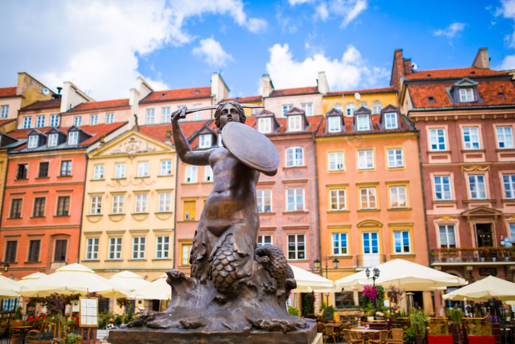 Το χαρακτηριστικό άγαλμα της Γοργόνας - αξιοθέατα στη Βαρσοβία