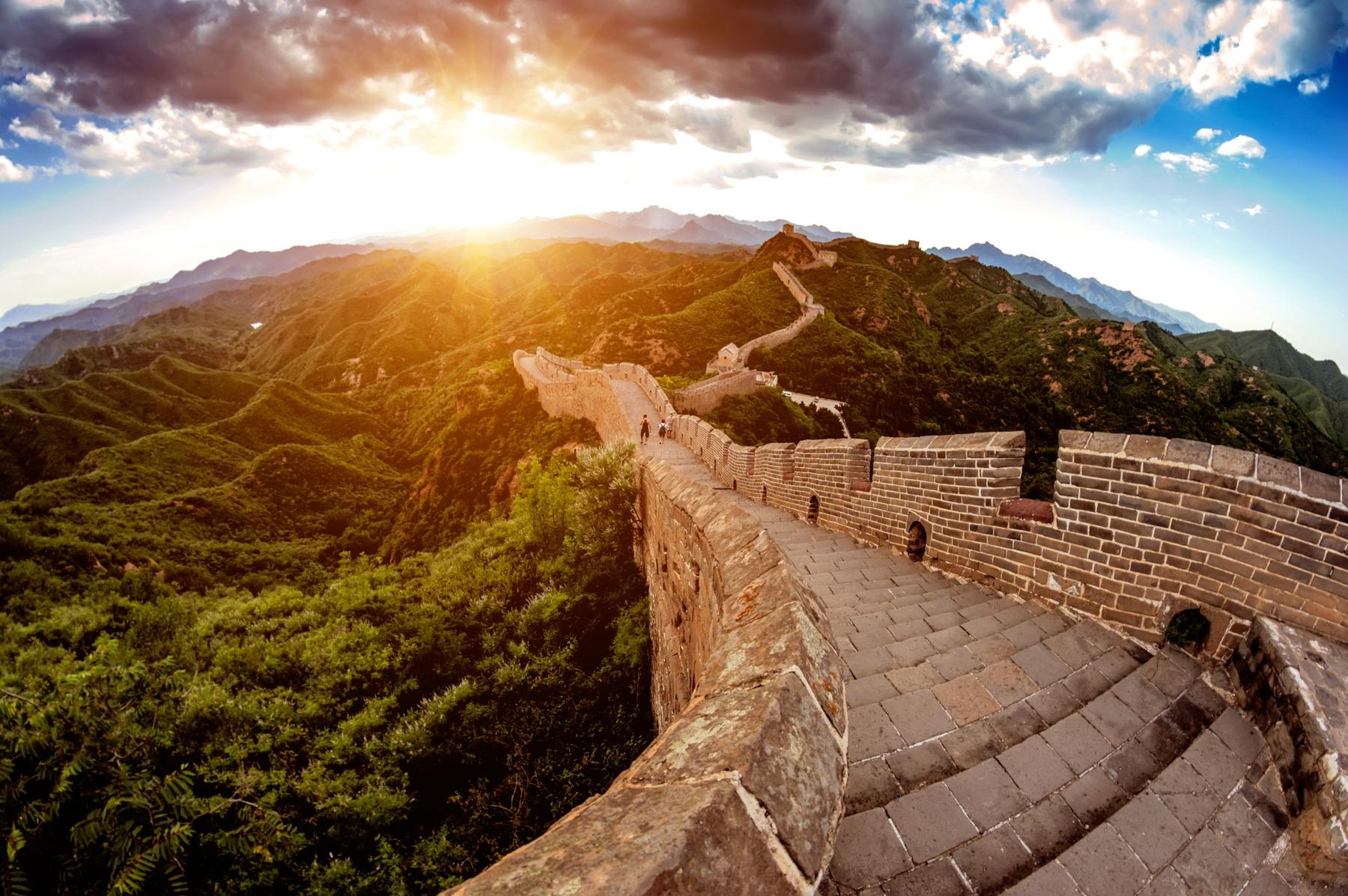 中國海關規定旅客可攜帶進出境的限額均為不超過2萬元