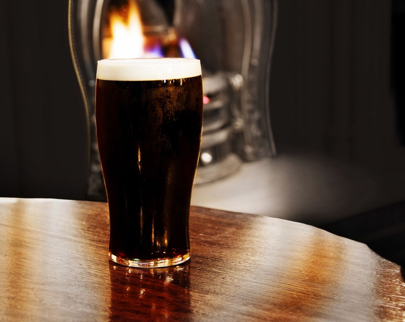 Have a drink in a traditional Irish bar - 6 cheap things to do in Dublin