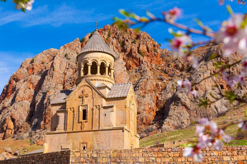 Где лучше отдыхать: в Грузии или Армении