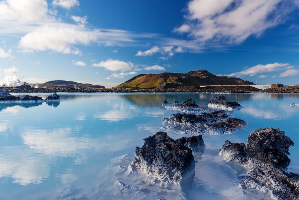 View of a lake on a sunny day in Iceland