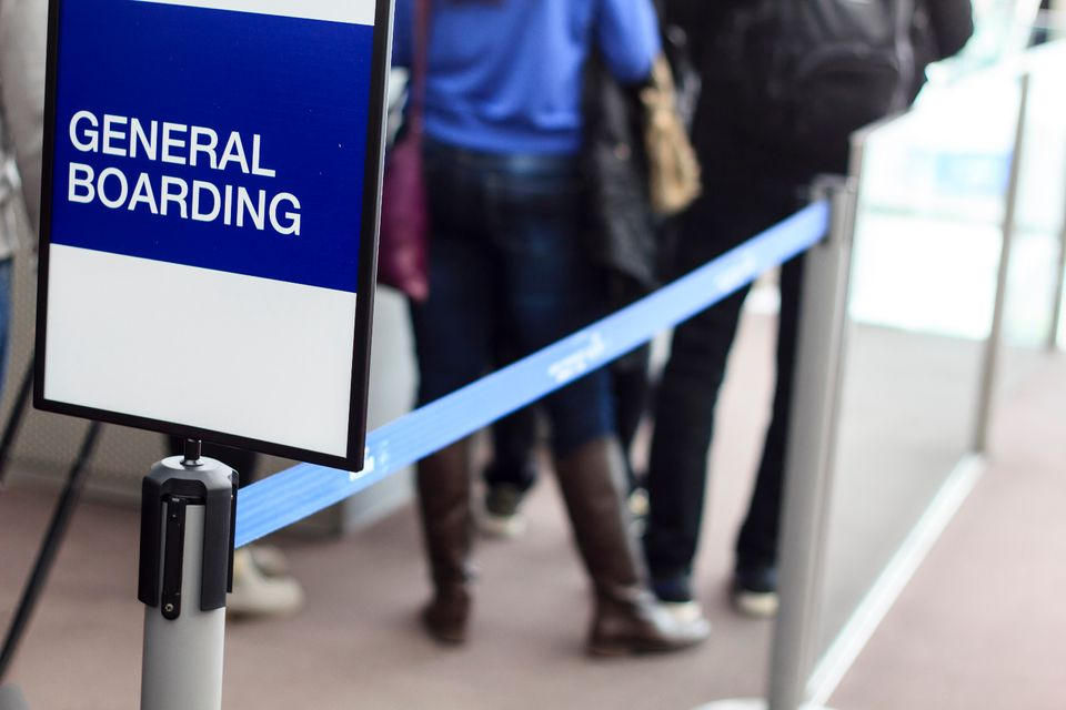 General boarding queue at the airport - Cheats to turn your economy fare into a first-class experience