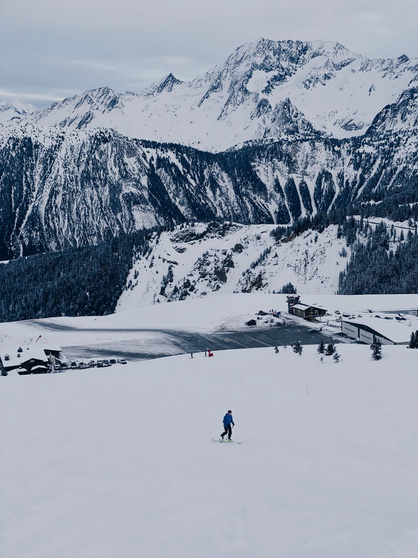L'altiport à Courchevel dans les trois vallées - à visiter en janvier 2021