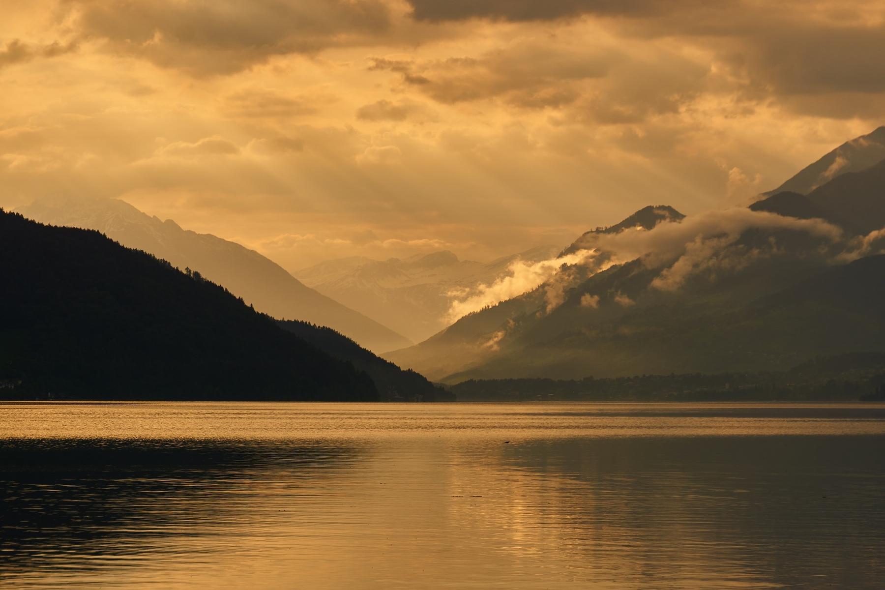 Der Millstätter See bei Sonnenuntergang