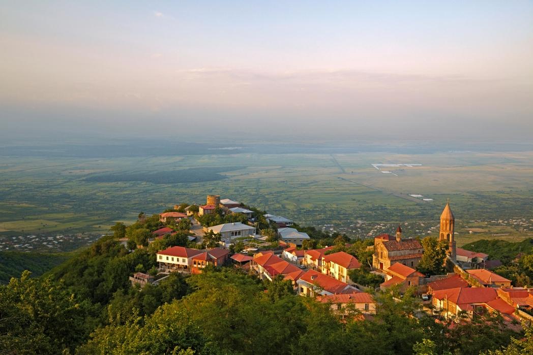Αεροφωτογραφία της ευρύτερης περιοχής έξω από την Τιφλίδα.