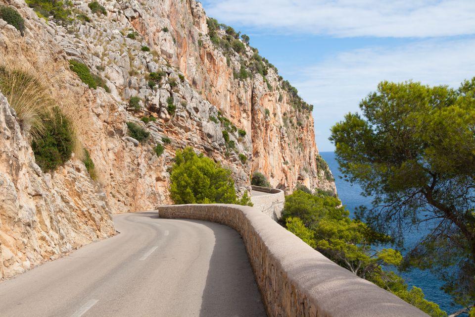 Где проще ездить на транспорте: в Италии или Испании