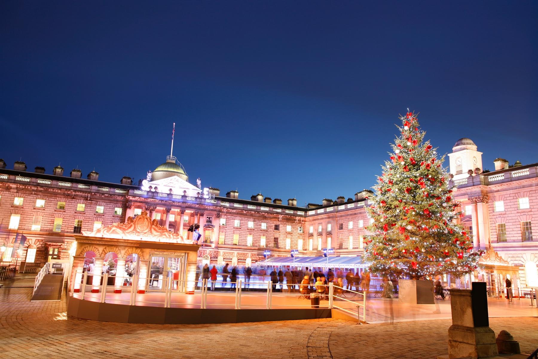 Рождественские украшения в Лондоне.