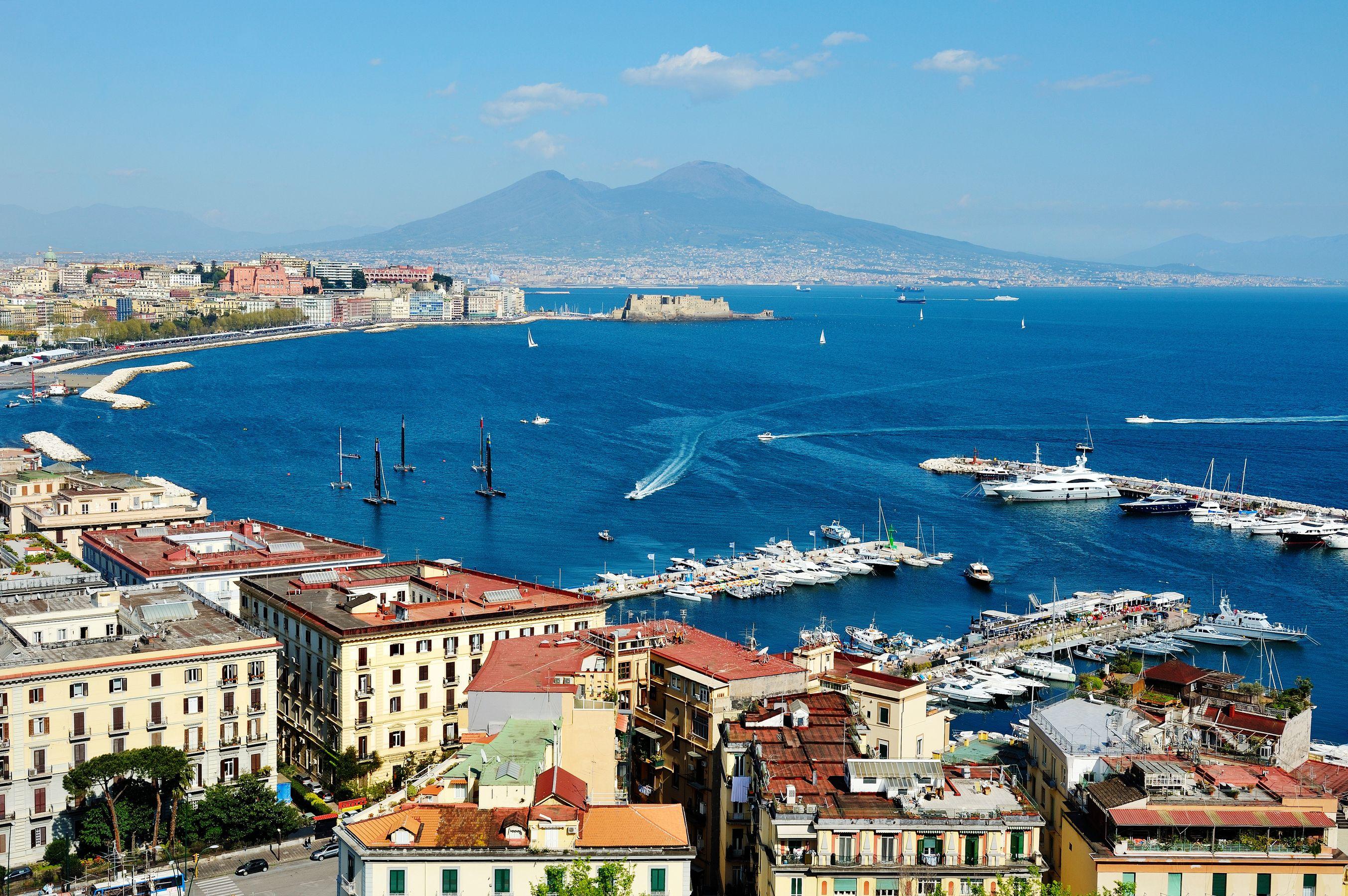 Το λιμάνι της Νάπολης