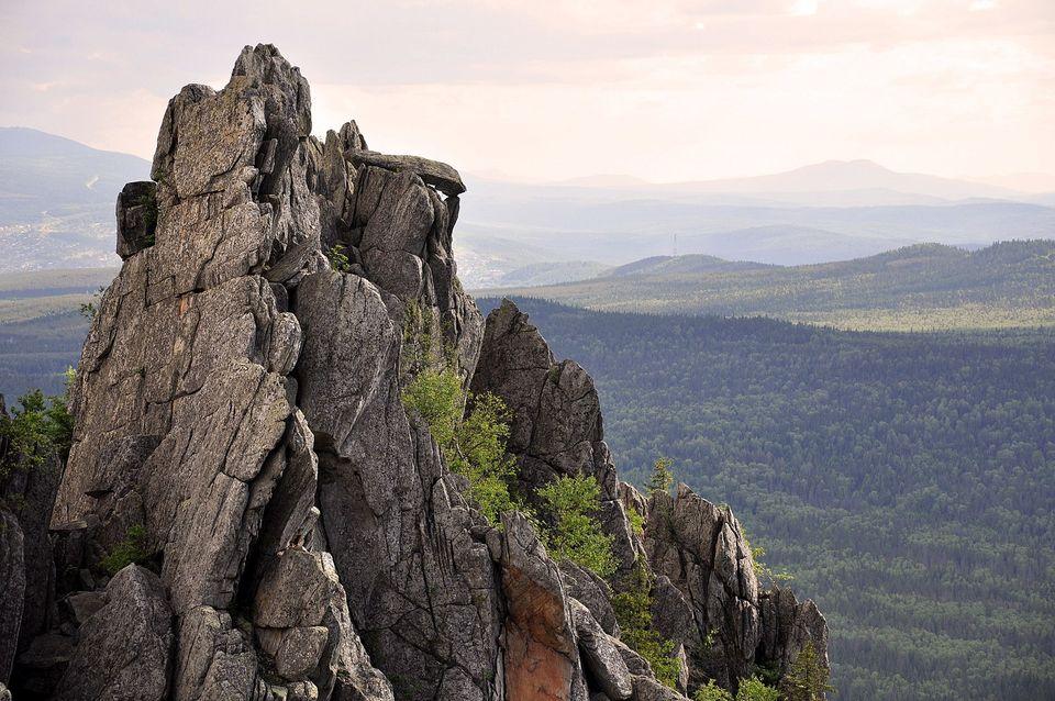В национальный парк «Таганай» на Урале можно приезжать всей семьей: здесь есть маршруты любых уровней сложности