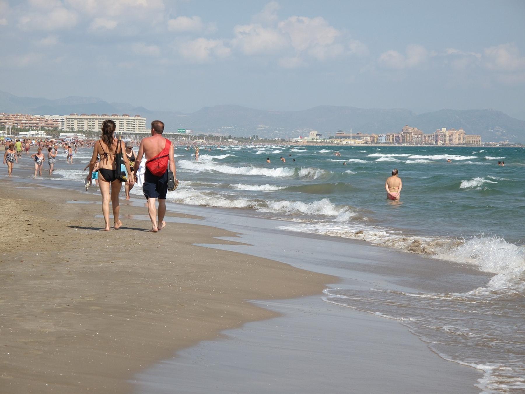 Playa de la Malvarrosa que hacer en Valencia