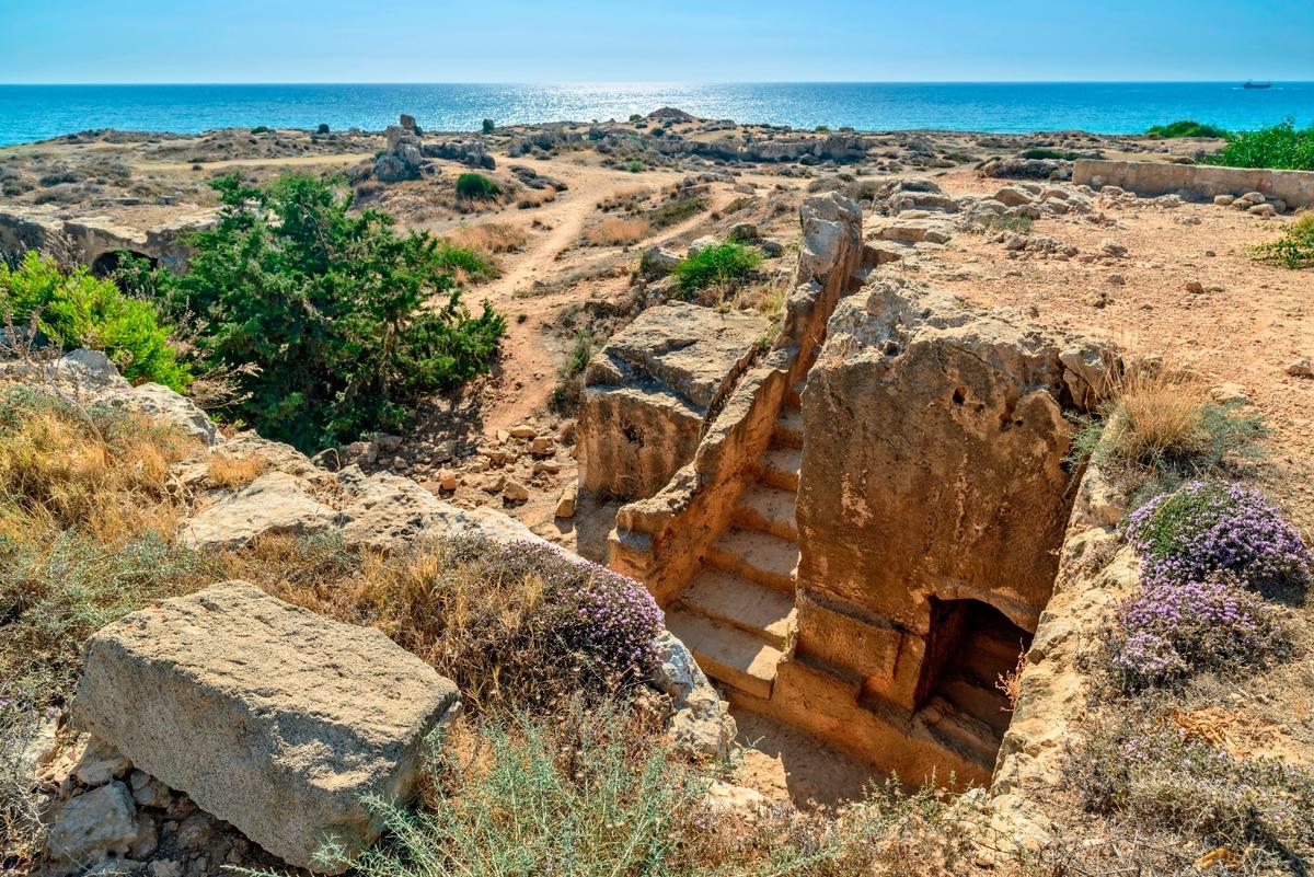 Wakacje first minute na Cyprze