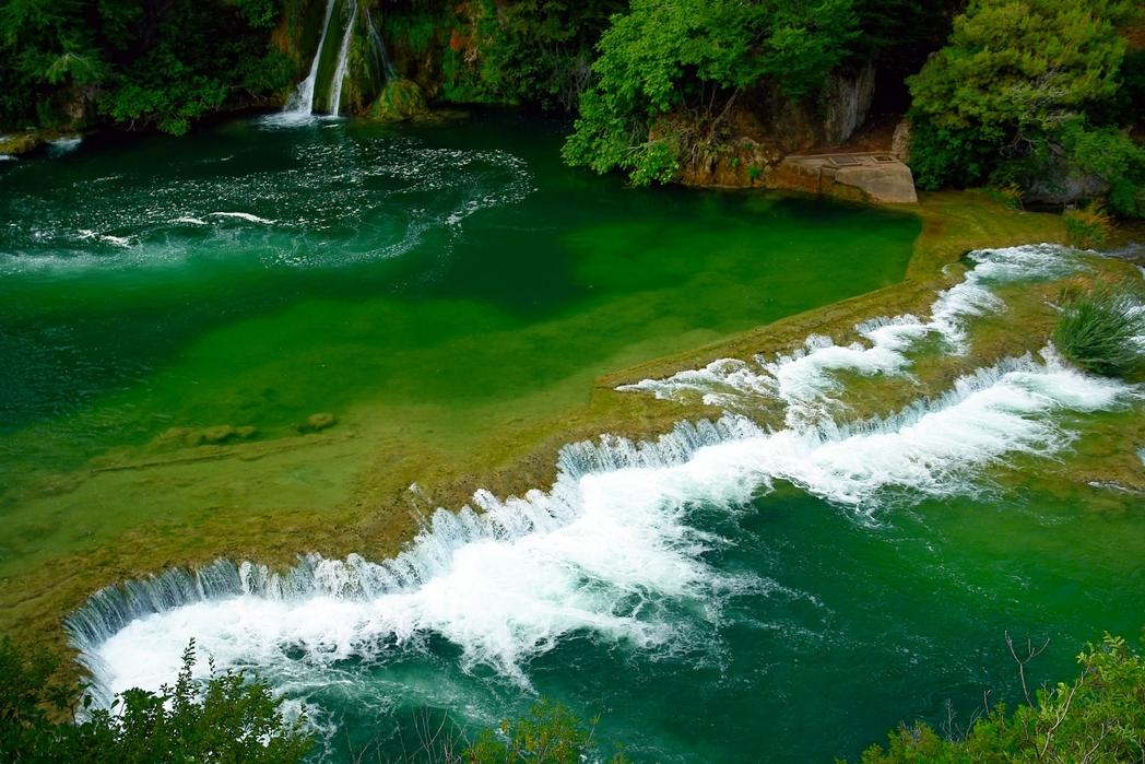 Ειδυλλιακοί καταρράκτες στο Εθνικό Πάρκο Κrka - γιατί να οργανώσετε διακοπές στην Κροατία την άνοιξη