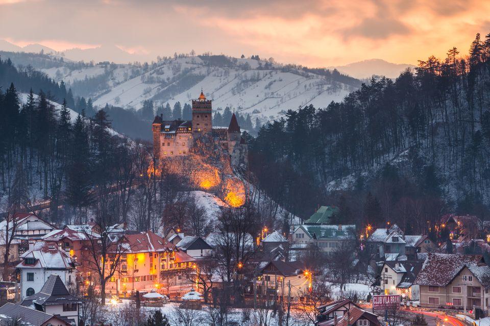 To Κάστρο Μπραν χιονισμένο, Τρανσυλβανία, Ρουμανία - οι καλύτεροι χειμερινοί προορισμοί στο εξωτερικό
