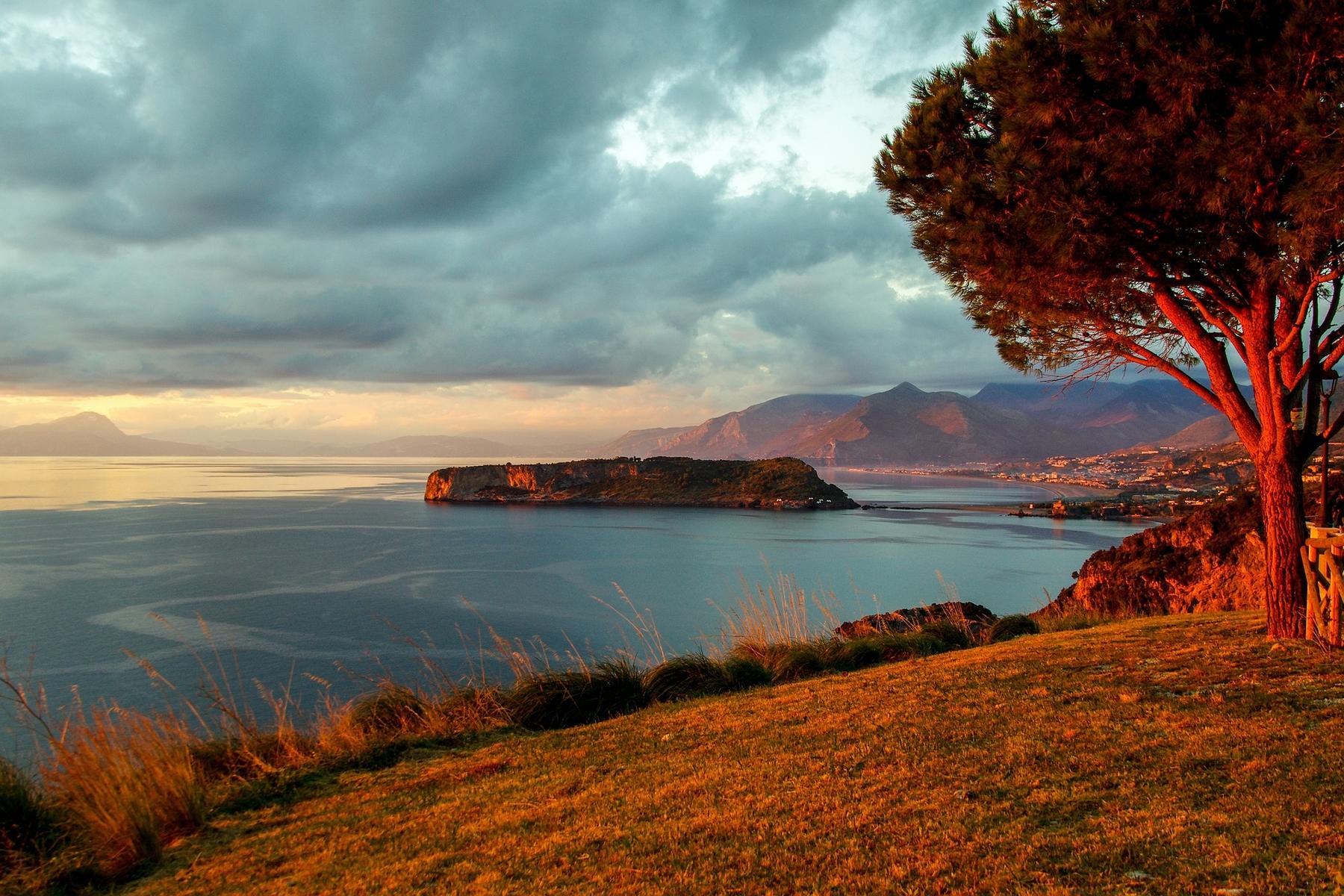 Spiagge più belle delle Calabria - Isola di Dino