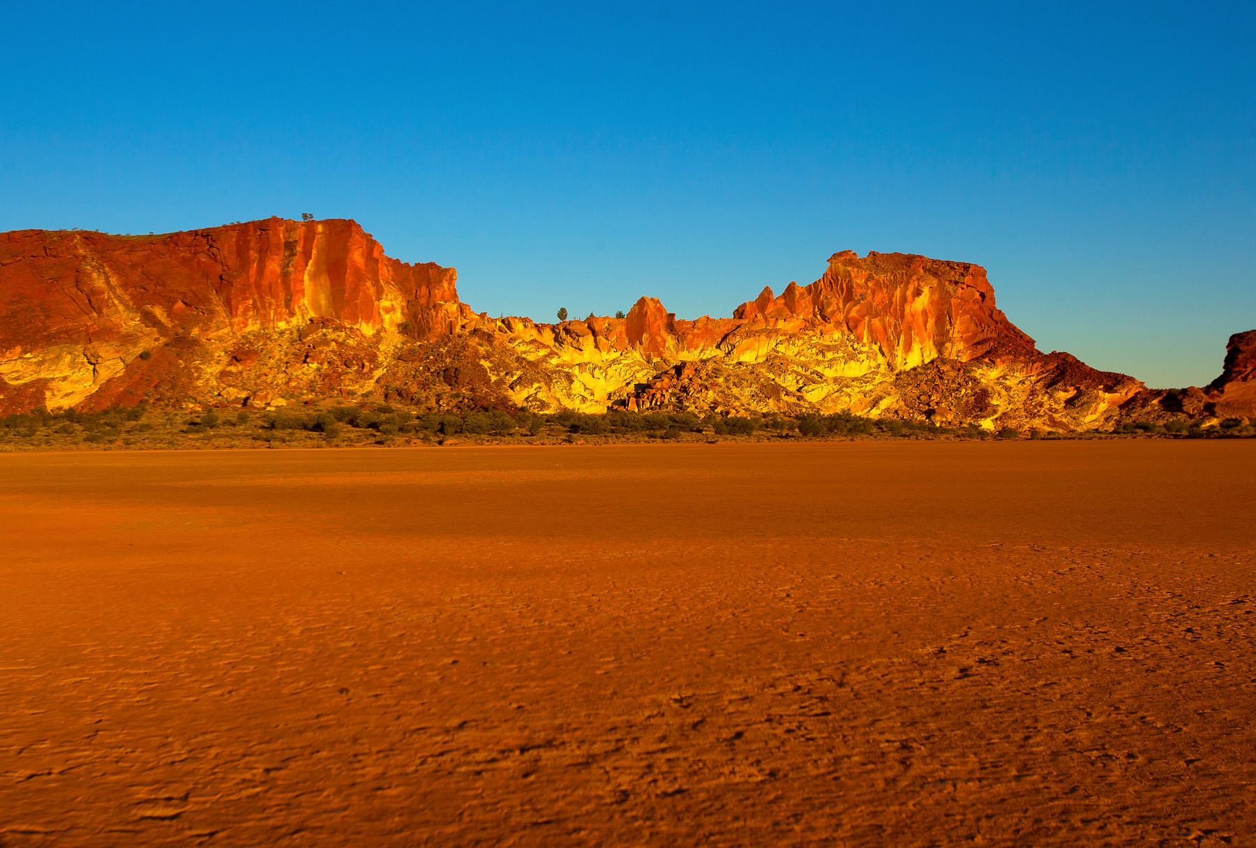 Flights to Alice Springs