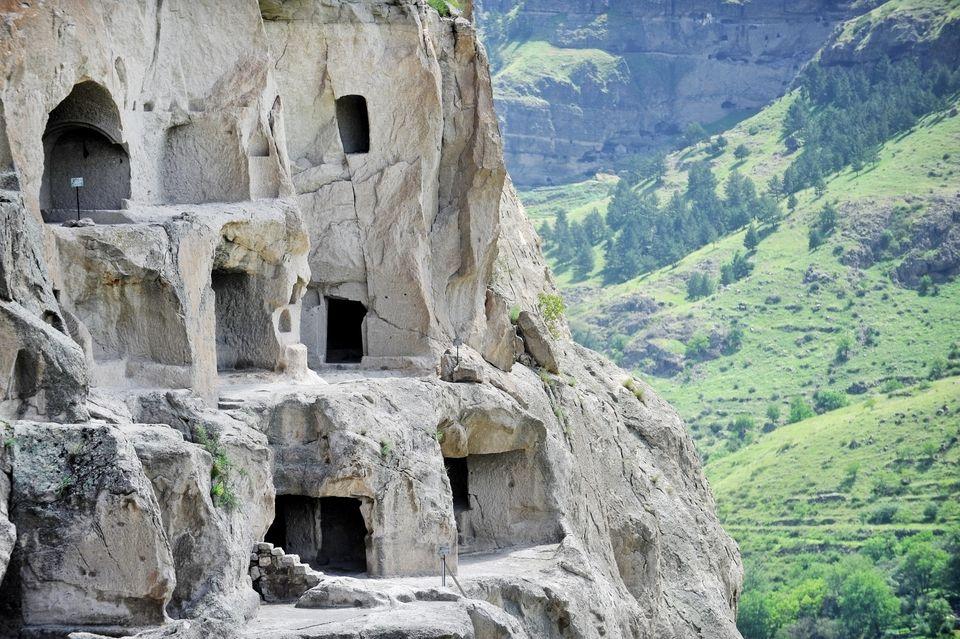 Где интереснее путешествовать: в Грузии или Армении