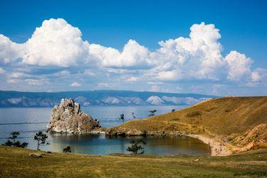 Байкал — одно из тех заповедных мест России, которые непременно нужно посетить