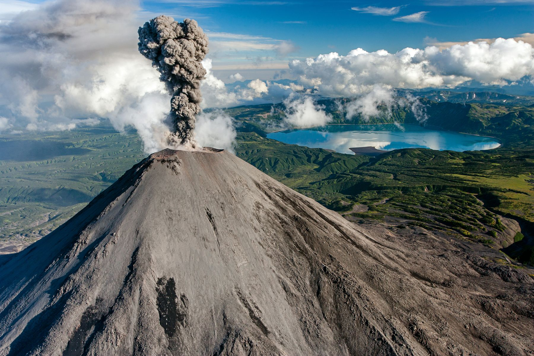 Направления мечты: вулканы Камчатки, Россия