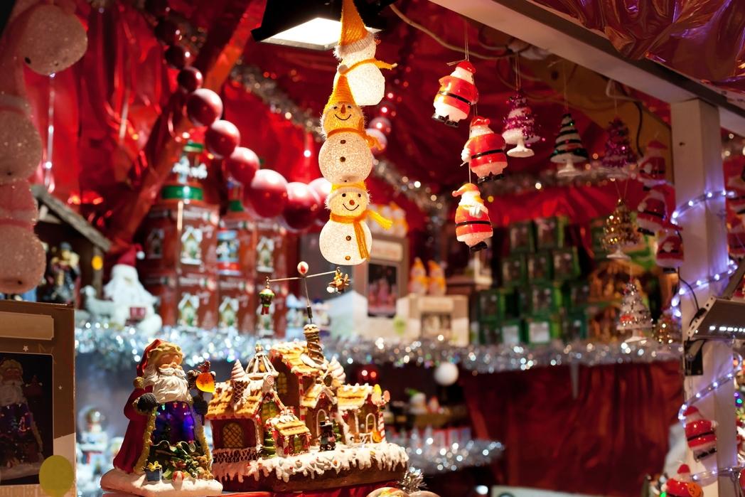 Χριστουγεννιάτικα στολίδια στη Βιέννη της Αυστρίας