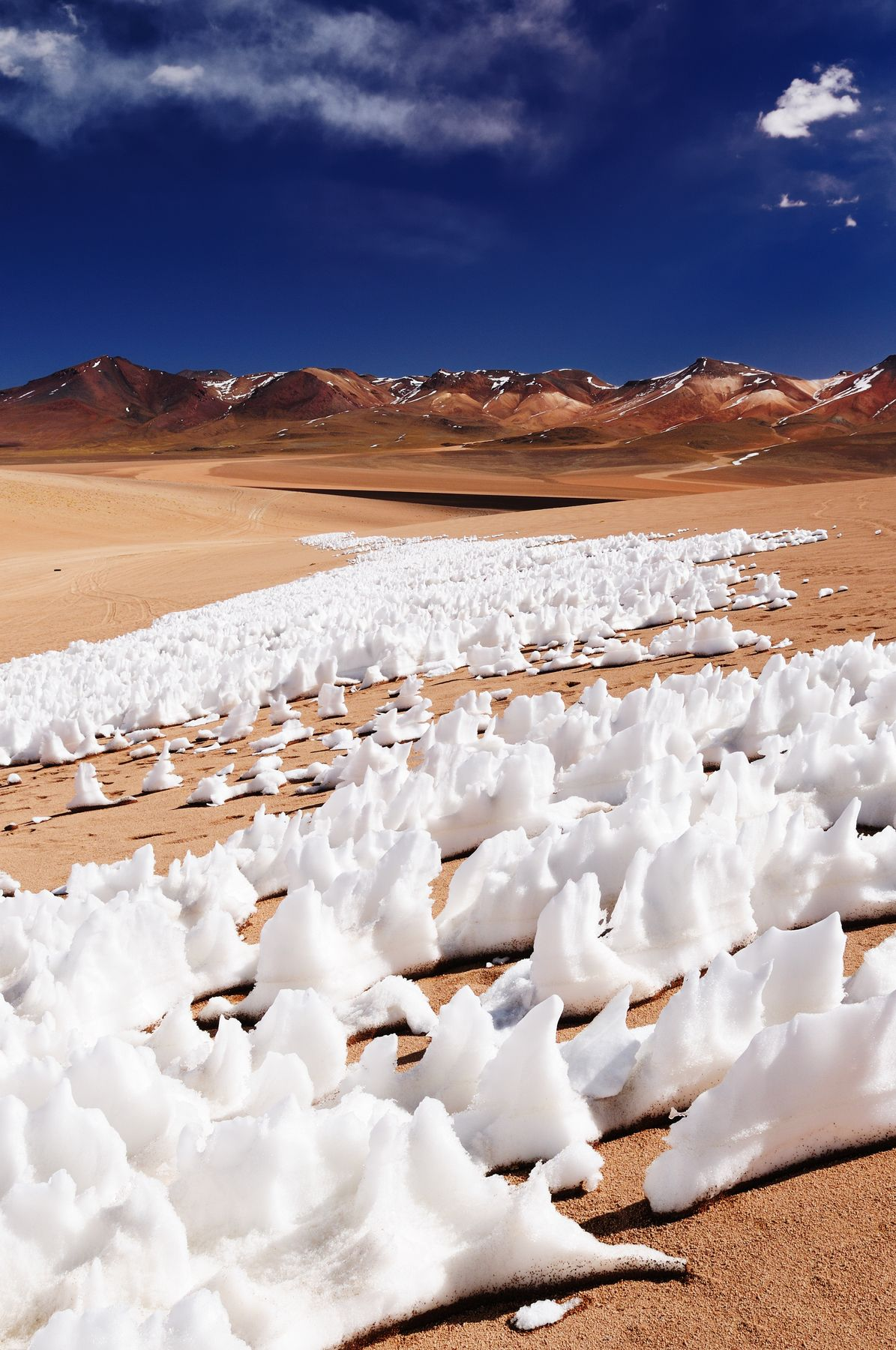 Salar de Uyuni, Bolivia - 10 breathtaking natural wonders of the world