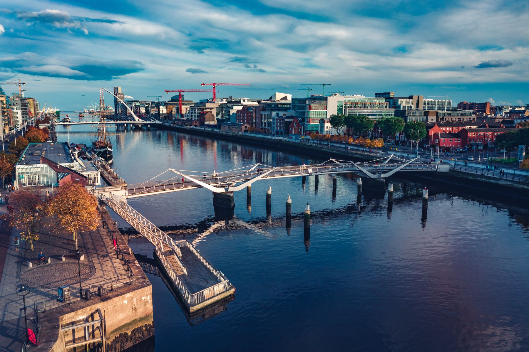 Reisen ein Jahr im Voraus planen: 3-Generationen-Urlaub im Hausboot durch Irland