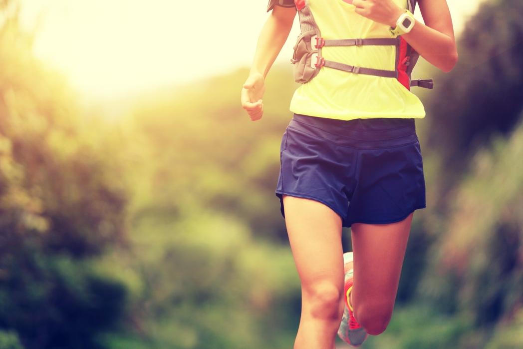 Γυναίκα που τρέχει - προτάσεις και tips για τουρισμό υγείας το 2020