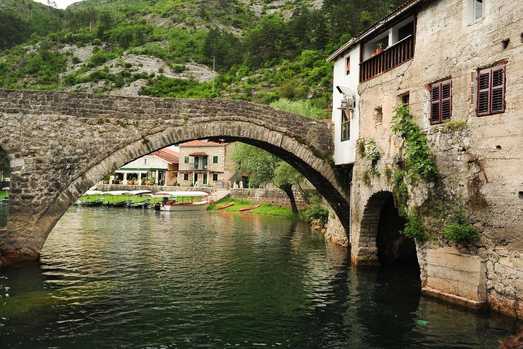 Rijeka Crnojevica - budget ταξίδι στο Μαυροβούνιο
