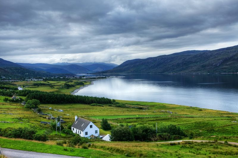 Clique na imagem e encontre passagens aéreas promocionais para Inverness!