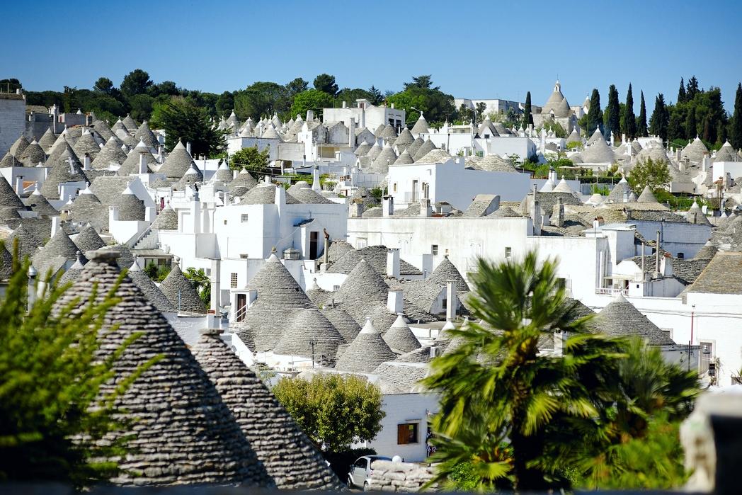 Tα χαρακτηρισιτκά trulli στο Alberobello- ταξίδι στην Ιταλία