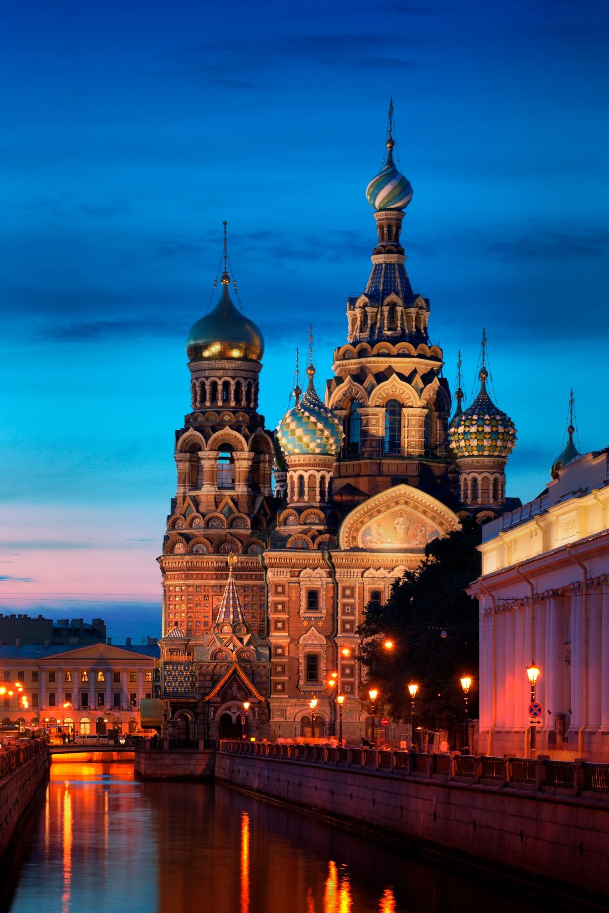 O Nαός του Χυμένου Αίματος, απ' τα τοπ αξιοθέατα στην Αγία Πετρούπολη - ταξίδια σε πόλεις της Ευρώπης