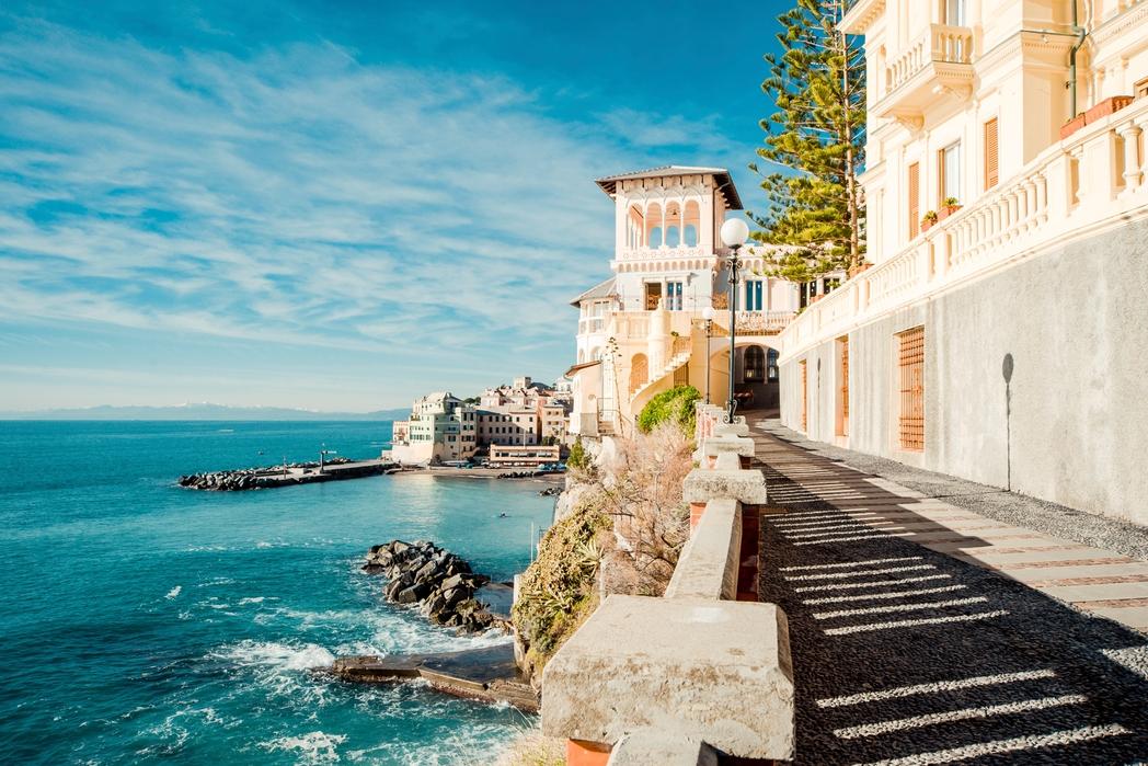 Βόλτα δίπλα στη θάλασσα στη Γένοβα, Ιταλία - ταξίδι στην Ιταλική Ριβιέρα